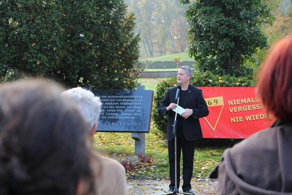 David Ellensohn bei seiner Festrede, Kagran 2013 (Foto: Archiv Personenkomitee)