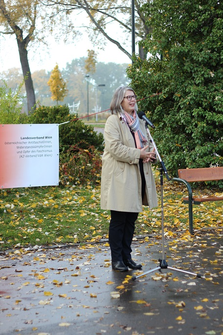 Terezija Stoisits während ihrem Redebeitrag, Kagran 2013 (Foto: Archiv Personenkomitee)
