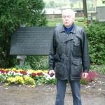Hugo Pepper bei seiner Festrede während der Gedenkfeier Kagran 2003 (Foto: Archiv Personenkomitee)