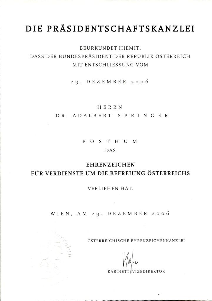 Verleihungsurkunde für das Ehrenzeichen für Verdienste um die Befreiung Österreichs, 29. Dezember 2006.  Quelle: Gedenkstätte ROTER OCHSE Halle (Saale)