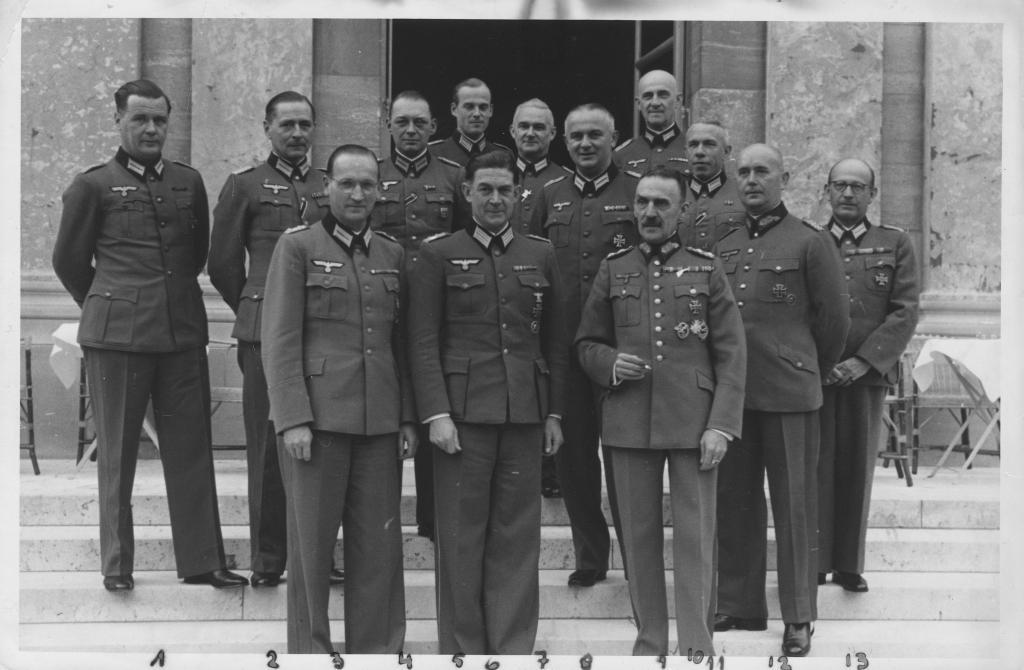 Werner Lueben als juristischer Berater der Militärverwaltung in Frankreich. Quelle, 1941: Privatarchiv Claus Lueben, Halstenbek