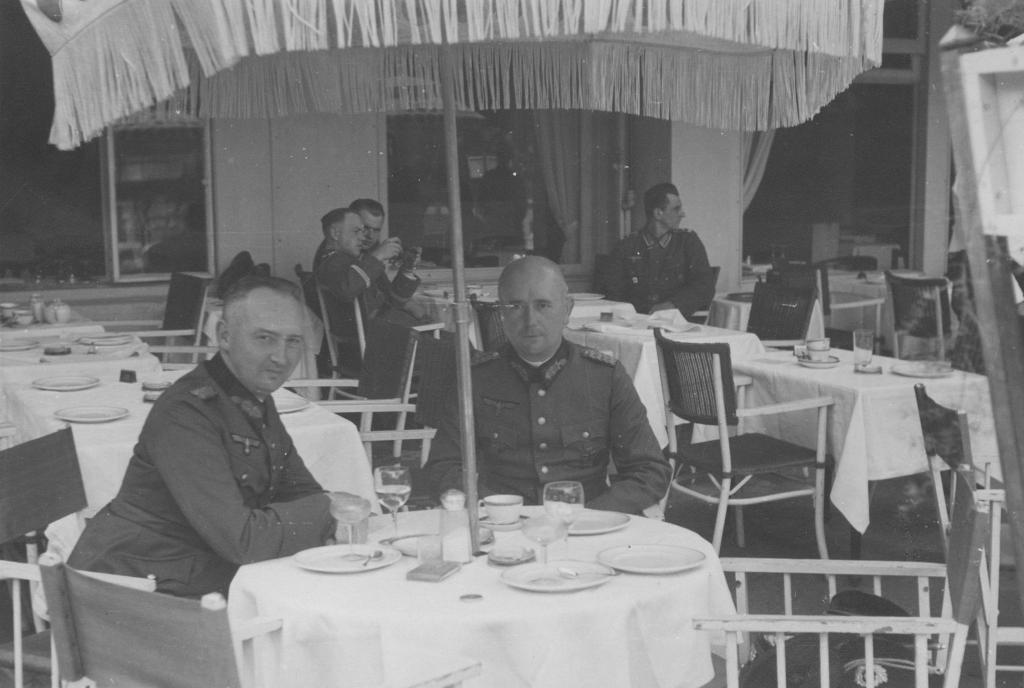 Werner Lueben gemeinsam mit Karl Sack, undatiert. Quelle: Privatarchiv Claus Lueben, Halstenbek