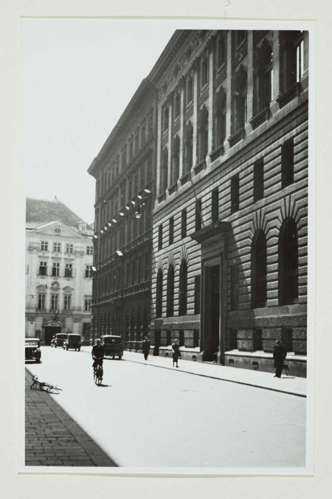 Das Feldkriegsgericht der Division 177 in der Hohenstaufengasse 3, Wien, um 1942: Quelle: Wien Museum