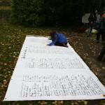 Die namentlich bekannten Opfer werden auf ein Transpi geschrieben, Kagran, 2007 (Foto: Alexander Wallner)