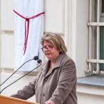 Claudia Kuretsidis-Haider,  wiss. Ko-Leiterin der Zentrale österreichische Forschungsstelle Nachkriegsjustiz während der Rede vor der Enthüllung, Favoriten 2015 (Foto: ©  Michael Schmid)