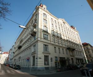Ansicht des Gebäudes heute (jedoch noch ohne Gedenktafel), Ecke Loquaiplatz und Königsegggasse (Bild: Alexander Wallner)