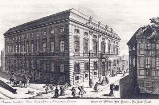 Die geheime Hof- und Staatskanzlei, um 1733. Das Gebäude wurde in den folgenden Jahren mehrfach umgestaltet, heute hat es eine fünfeckige Form. Rechts im Bild das Scalvinionische Haus (bis 1764), im Hintergrund rechts die Einfahrt zum Hofspital, Quelle: Federzeichnung von Salomon Kleiner